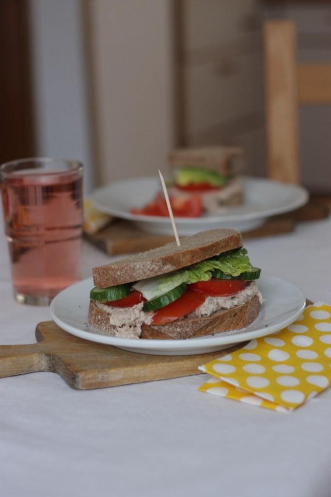 Wer hat Lust auf ein leckeres Thunfisch Sandwich?
