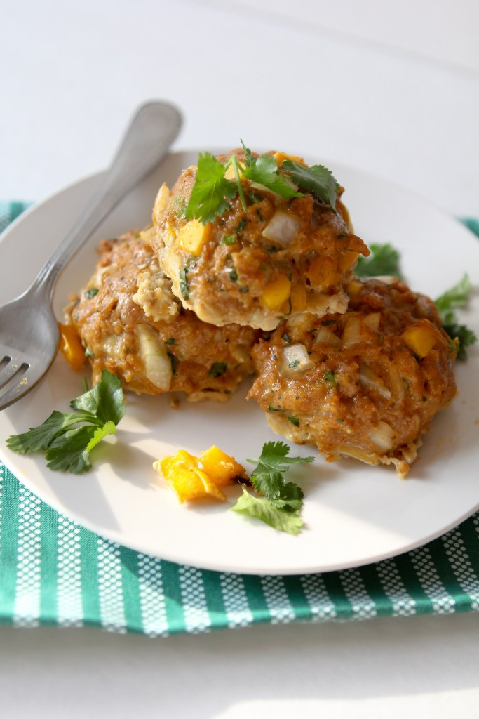Whole30 Mango + Jalapeño Chicken Meatballs from the Whole Smiths. GREAT for leftovers and a MUST on your Whole30. Paleo and gluten-free.