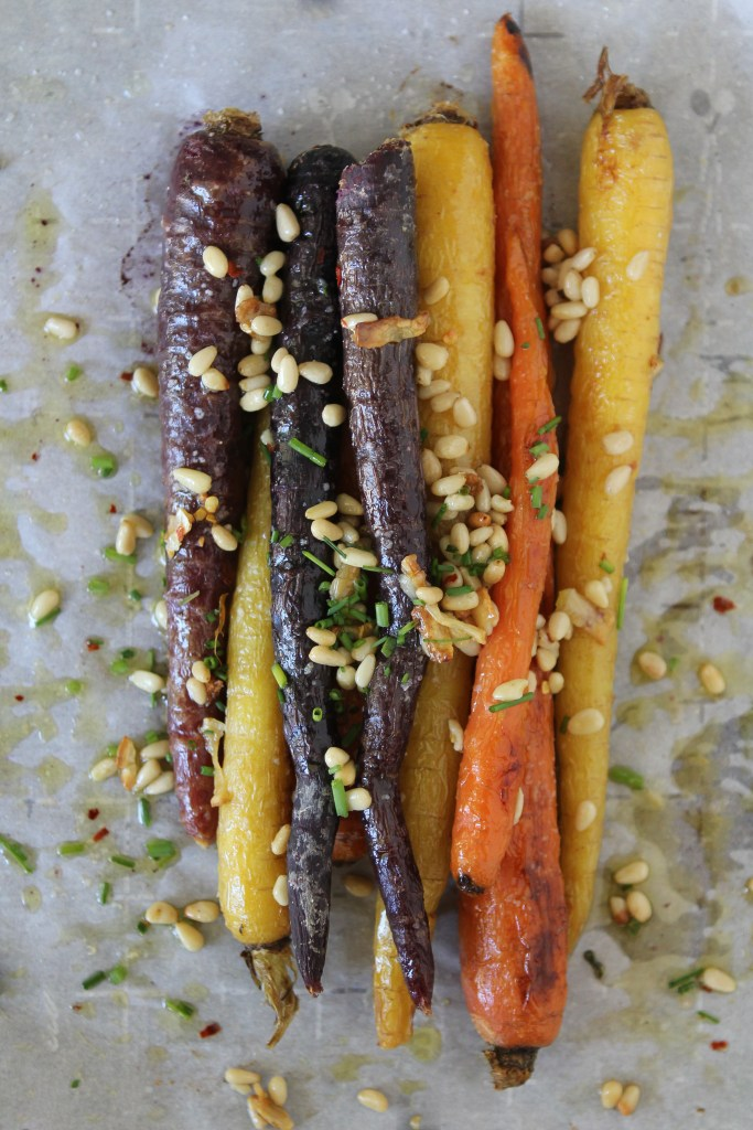 An easy-to-make roasted carrot dish from the Whole Smiths that's paleo and Whole30 compliant. A must-make that's family friendly too!