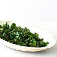 Simple Crispy Kale Chips