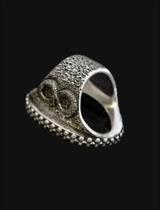Cobra Ring