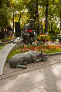 Grave of Nikolin the clown and his dog, Novodevichy cemetery, Moscow