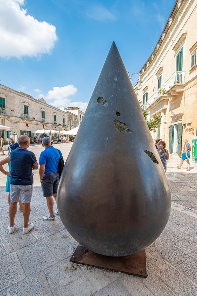 Sculpture of a raindrop in Matera's main square