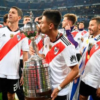 I giocatori del River in trionfo con la Copa Libertadores. Foto: Getty Images.