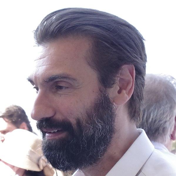 Fabrizio Gifuni, protagonista di Lei mi parla ancora