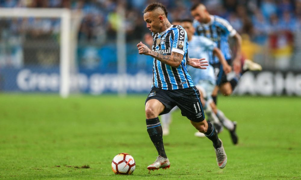 Arsenal Retain Interest In Everton Soares For This Reason ...