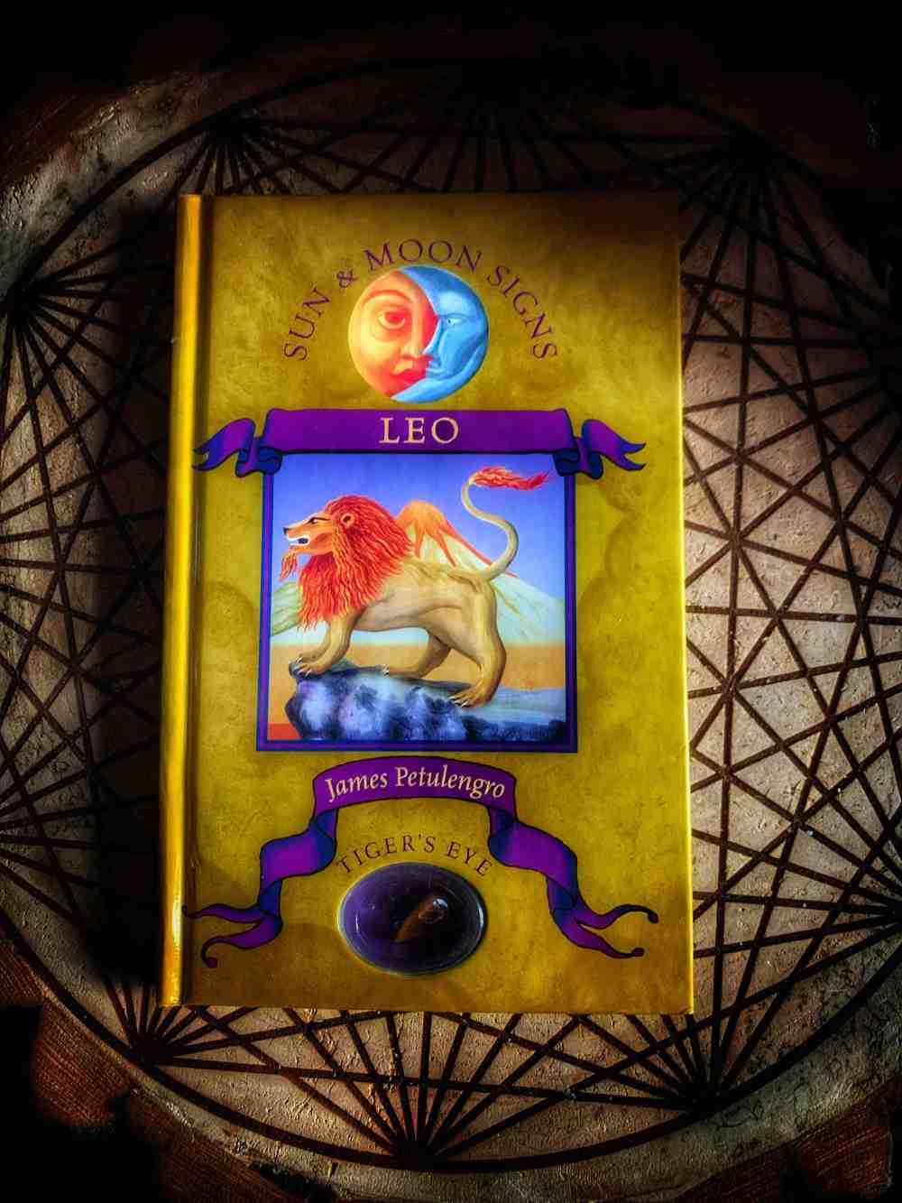 Sun and Moon Signs: Leo