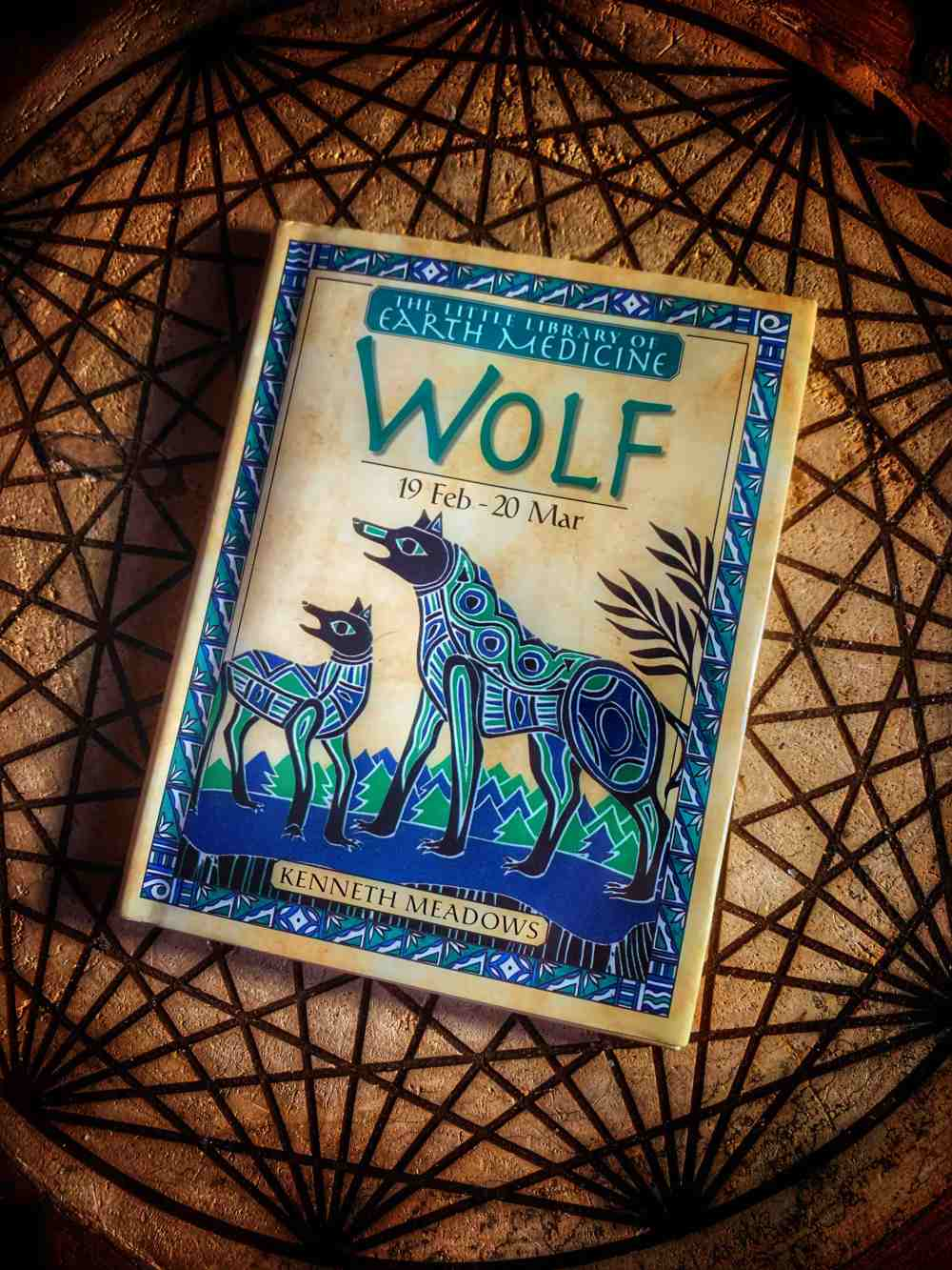 Wolf (Little Library of Earth Medicine)