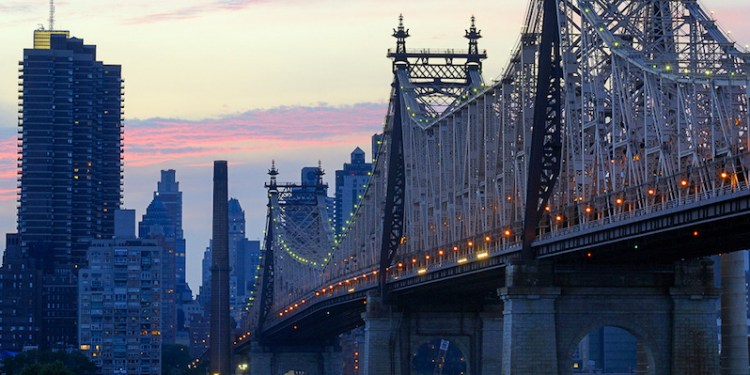queens_bridge_by_thewordisbond.comjpg