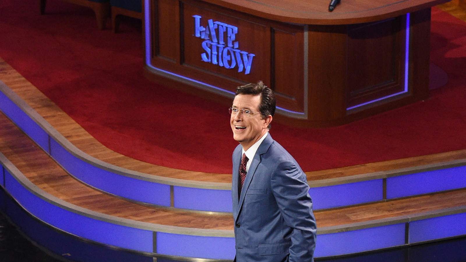 la-et-st-late-show-with-stephen-colbert-review-20150908