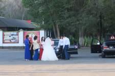 Parkplatz-Hochzeit in Kara Balta