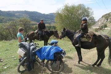 Kurzer Plausch mit den Reitern