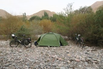 Wildcamp im Flussbett