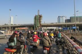 Einfahrt nach Hanoi