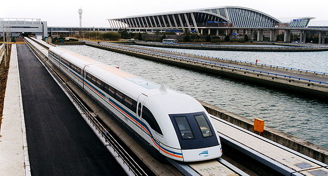 640px-A_maglev_train_coming_out,_Pudong_International_Airport,_Shanghai