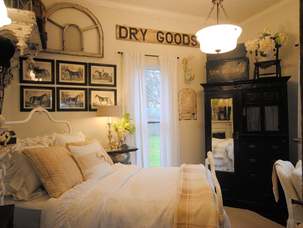 25 Awesome Farmhouse Bedroom Designs
