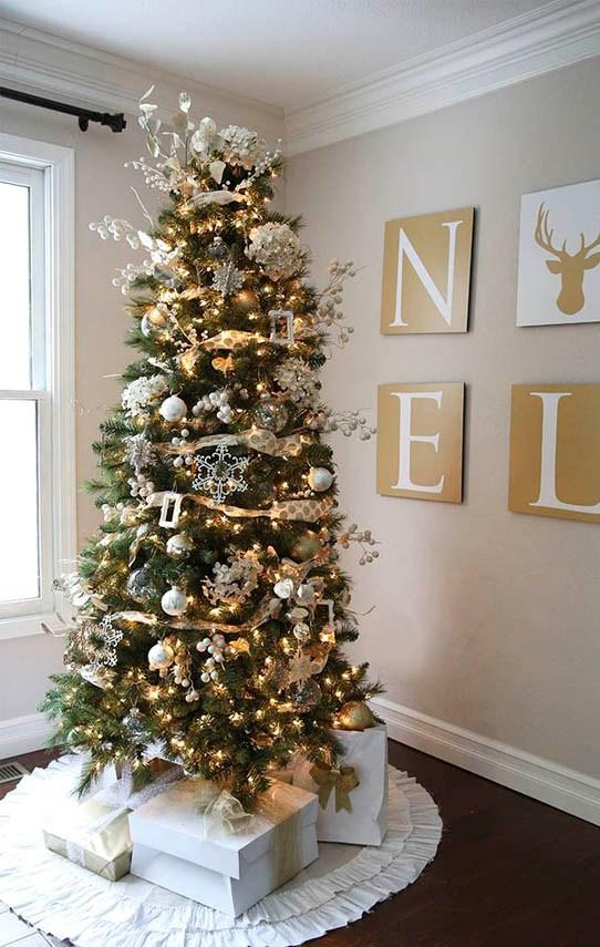 21 Elegant Christmas Trees Decoration Ideas