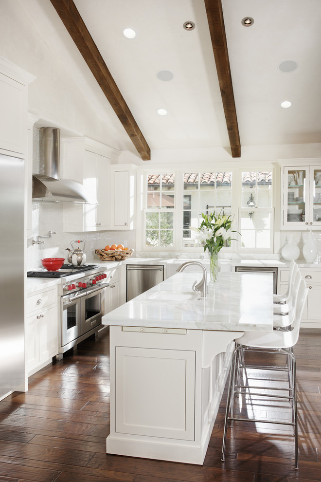 21 Beautiful All White Kitchen Design Ideas