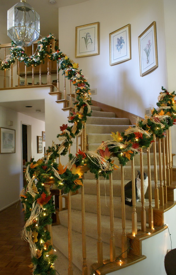 30 Best Christmas Staircase Decoration Ideas Wow Decor