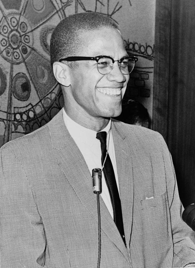 Malcolm+X+in+1964.