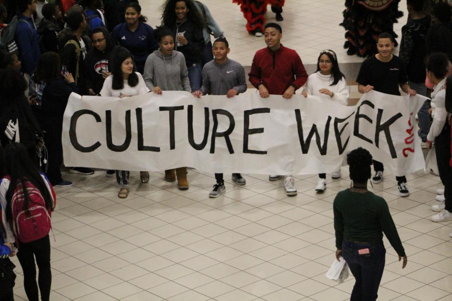 GRHS+Student+Council+members+start+off+culture+week%21