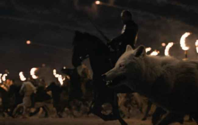 Fantasma cargando junto a los dothrakis