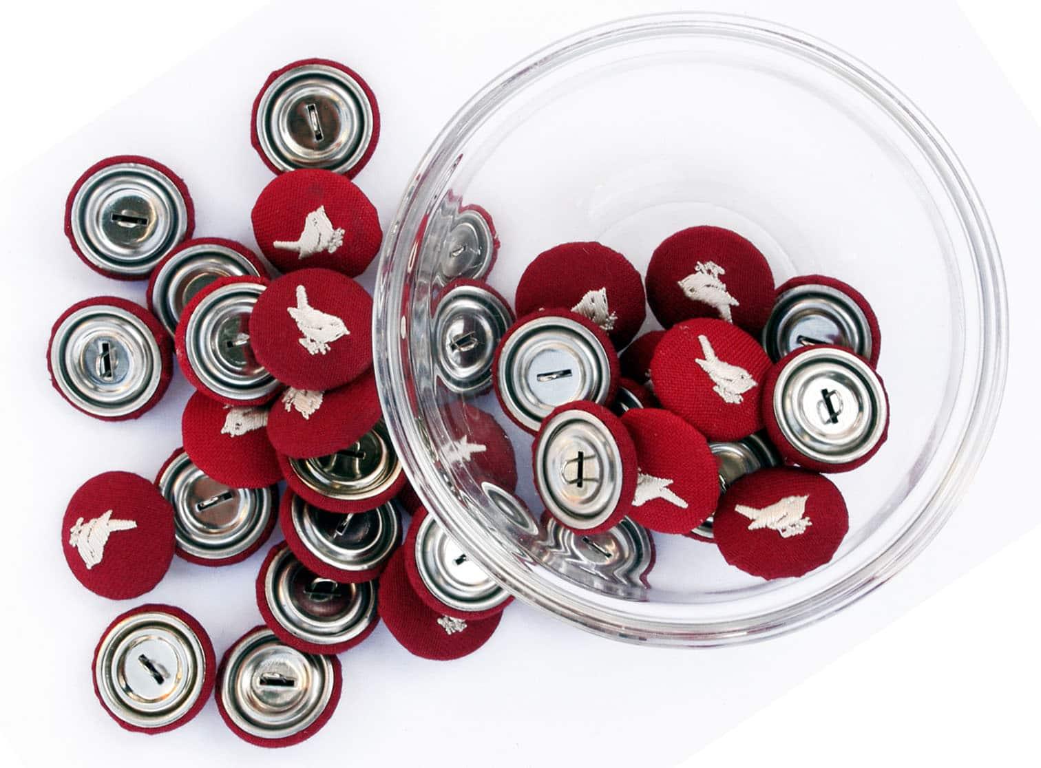 Red Wren Buttons