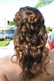 stunning curly homecoming hairstyles