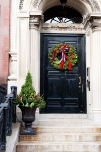40 Front Door Christmas Decorations Ideas - The Xerxes