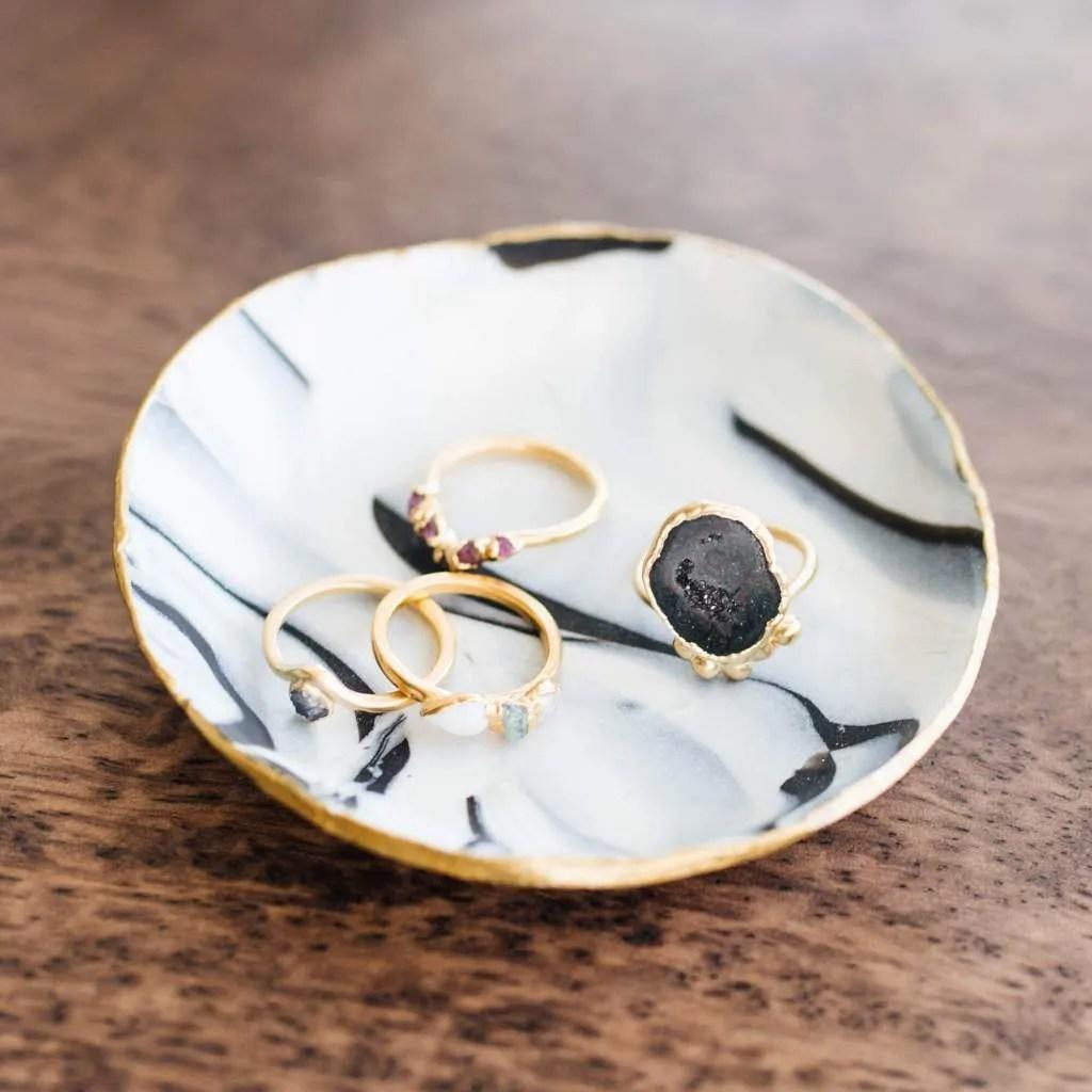 Cute handmade Christmas gift ideas, DIY clay ring dish