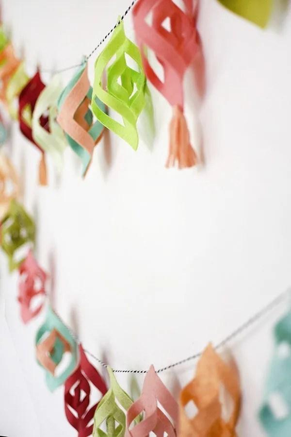 sweet felt Christmas garland DIY
