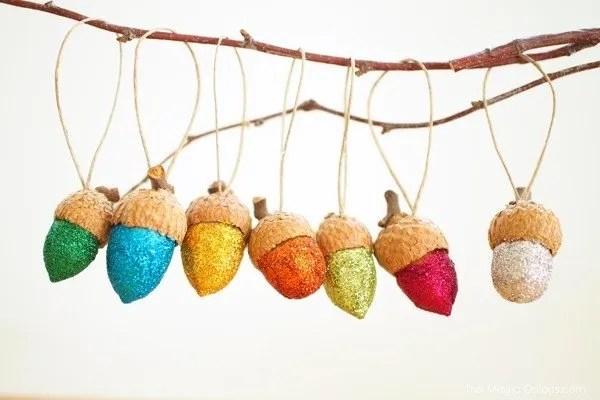 pretty glitter acorn ornaments. easy diy project!