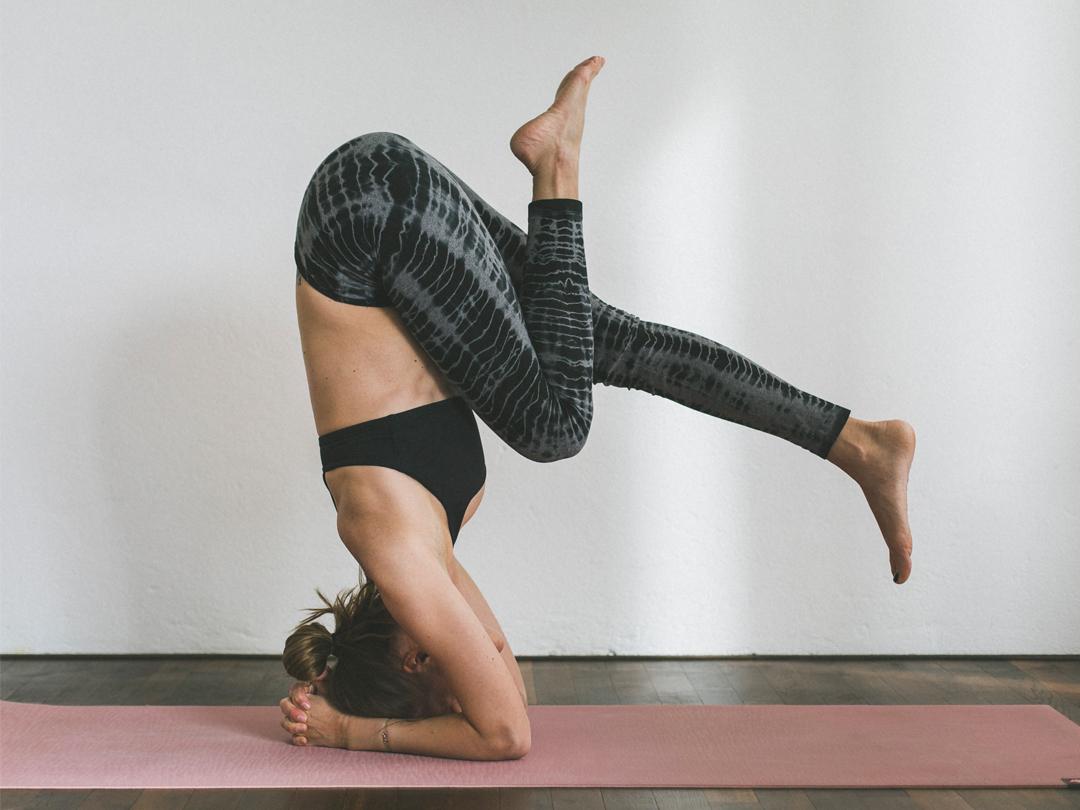 Hand aufs Herz – Valerie über Yoga – Was bedeutet Yoga eigentlich?