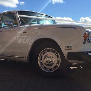 White Rolls Royce Silver Shadow - Front Nearside