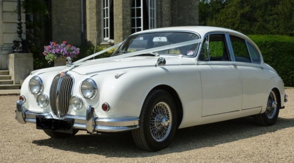 1968 Jaguar MK2 – White