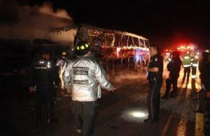 Scene of last Friday's highway accident that killed 13 bus passengers. (PHOTO: mexiconewsdaily.com)