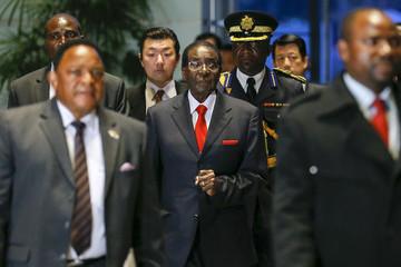 Robert Mugabe – China