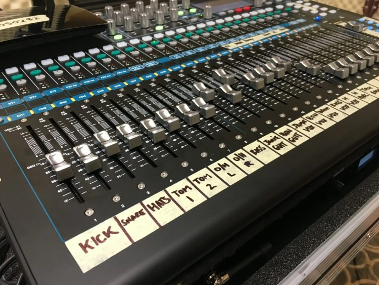 Allen and Heath, Mixing desk, digital mixing desk, Allen and heath, Fancy, QU-24, digital mixer