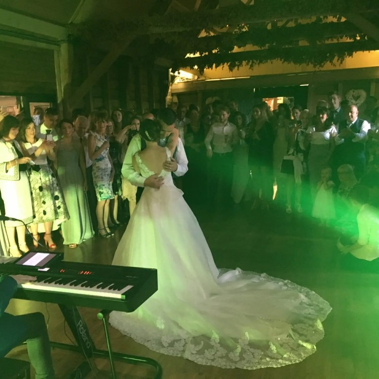 Wellington Barn, The Zoots, Band in Wiltshire, Barn Wedding, Wedding with a view, The Zoots band, Wiltshire, Wiltshire wedding, Summer wedding, Georgie and Andy wedding,