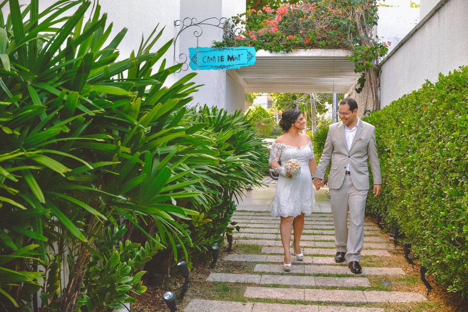 mini-wedding-thais-e-leandro-em-casa-de-moa-12