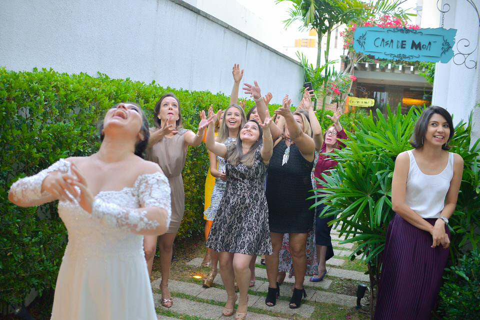 mini-wedding-thais-e-leandro-em-casa-de-moa-23
