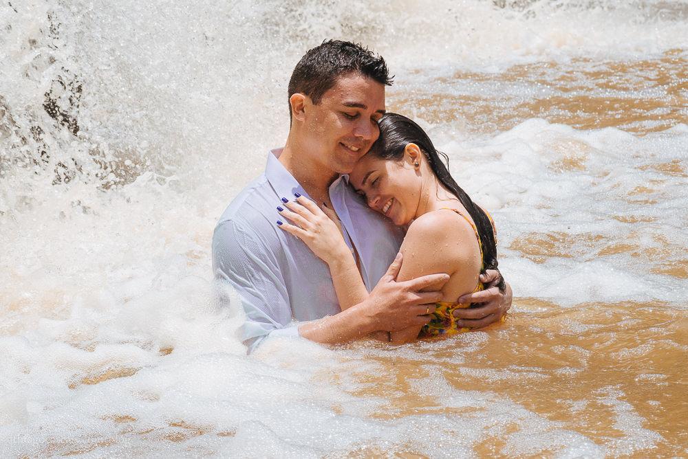 e-session-ensaio-de-casal-em-parque-das-cachoeiras-em-guaramiranga-20