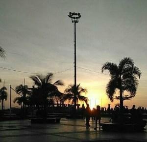 Coucher de soleil sur la croisette de Makassar