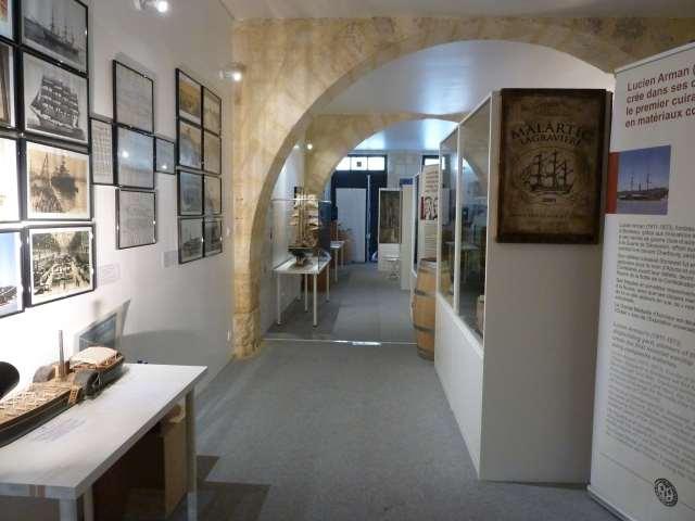 allée dans le musée d'histoire maritime de Bordeaux