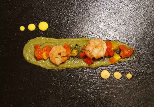 Prawn and mango chutney on avocado