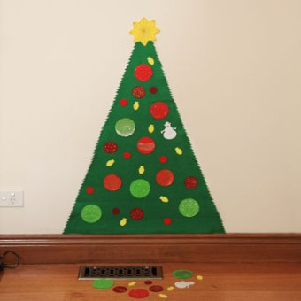 Play Felt Christmas Tree – No Sewing Needed!