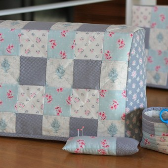 My First Quilting Project: Sewing Machine Covers