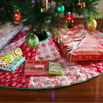 8 Panel Christmas Tree Skirt