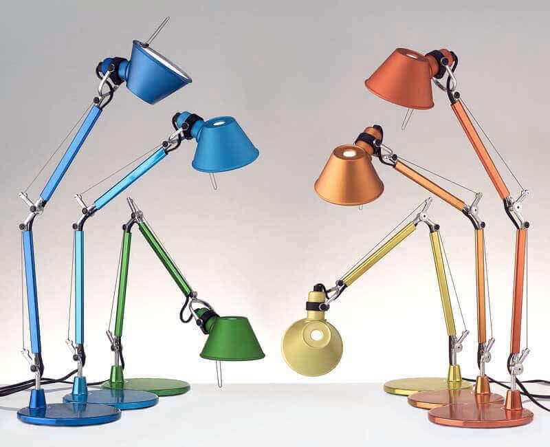 Le lampade martinelli luce sono caratterizzate da un'estetica essenziale ed un'originalità progettuale, traendo ispirazione da forme della natura e della geometria. Le 10 Lampade Di Design Piu Famose Belle E Sempre Attuali