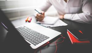 10 Business Podcasts die Du Dir anhören solltest …